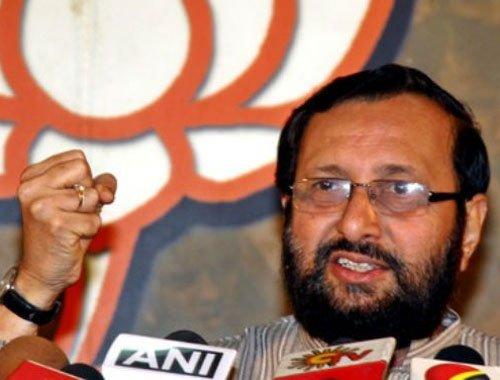 Javadekar accuses Congress of hatching 'conspiracy' in Ishrat case