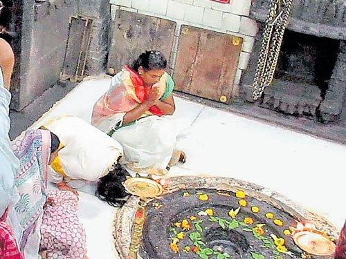 Now,women enter Trimbakeshwar temple