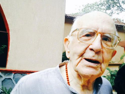At 90, Spanish priest becomes Indian citizen after 38-year struggle