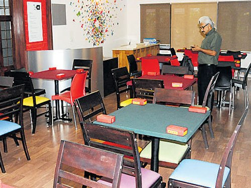 Now, a cafe for Bridge lovers in city