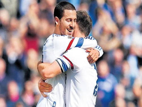 Hazard double spurs Chelsea