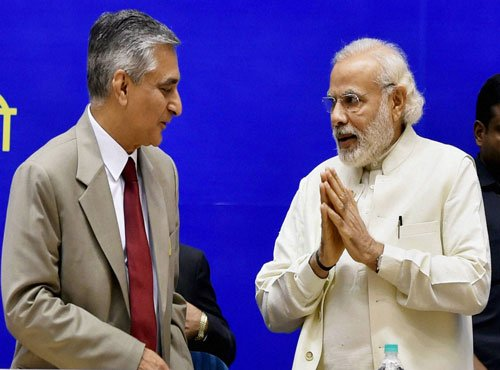 PM assures emotional CJI of govt support in increasing judge strength