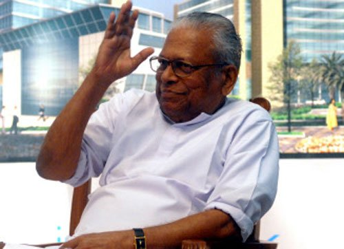 At 93, Achutanandan launches mobile app, eyeing young voters