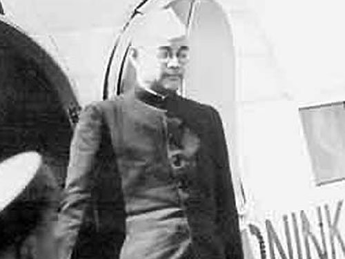 Japan to declassify 2 crucial files related to Netaji by 2016