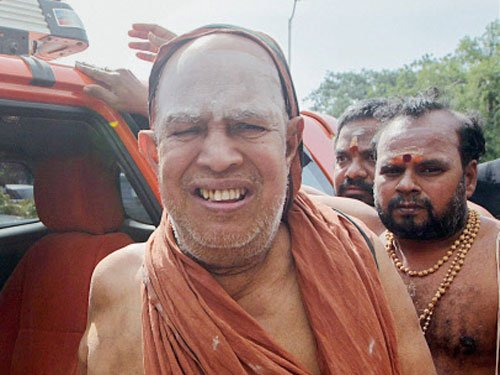 Kanchi seer acquitted in auditor assault case