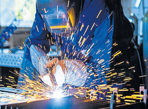 Manufacturing slows in April: PMI