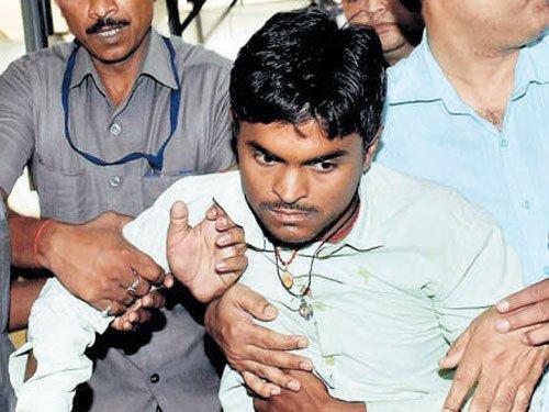 Youth hurls footwear at Bihar chief minister