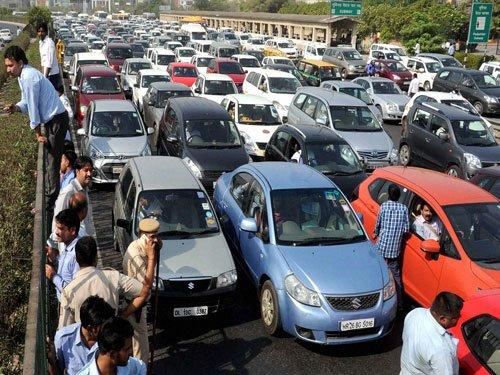 Taxi operators' protest causes massive gridlock