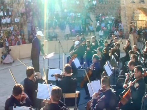 Russian orchestra performs in Syria's war-scarred Palmyra