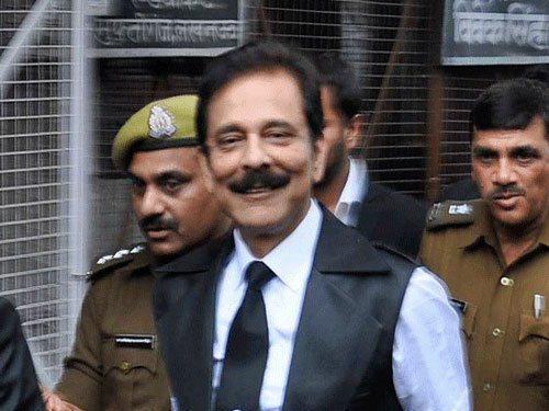 Subrata Roy leaves Tihar for 4 wks to attend mother's funeral