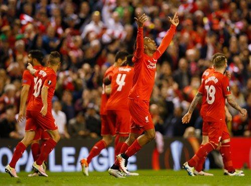 Liverpool drub Villarreal to seal final berth