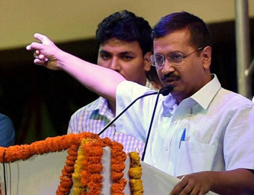 Chopper scam: Kejriwal says Modi scared of arresting Sonia
