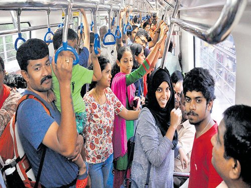 Seven lakh commuters used east-west corridor in 7 days