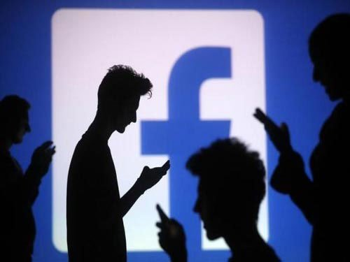 Frequent social media use may up eating disorder risk: study