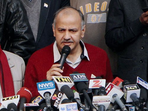 Row over PM's degree hurting DU's image: Sisodia