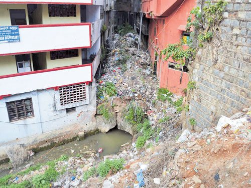 Filth found everywhere in Madikeri