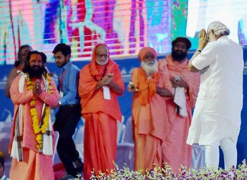 Shedding 'holier-than-thou' attitude key to conflict resolution: Modi