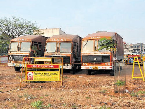 Rs 570 cr from 3 trucks seized in poll-bound TN