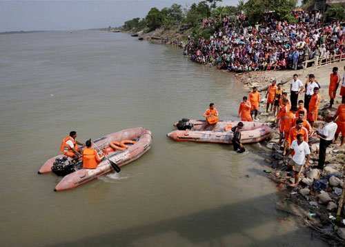 West Bengal: Eighteen killed in boat tragedy