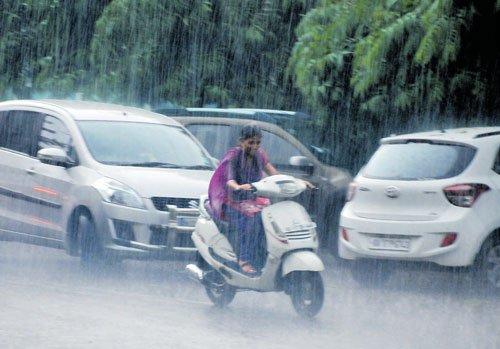 Rains lash Uttara Kannada for the second day