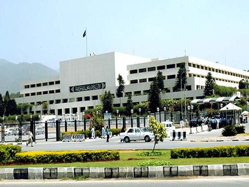 Senate to Pak govt: prepare dossier on 'Indian interference'