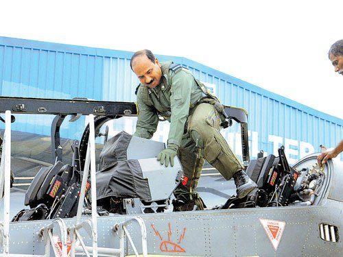 IAF chief takes maiden flight on Tejas