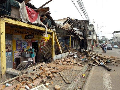 Magnitude-6.7 earthquake reported in Ecuador