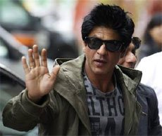 SRK to host dinner for Apple chief Tim Cook