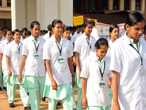 Nurses oppose regulatory law