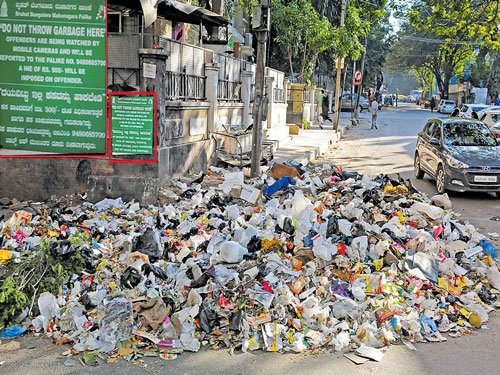 Uncleared garbage may worsen health woes during rains