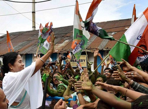 Lone Mamata sweeps WB, emerges stronger