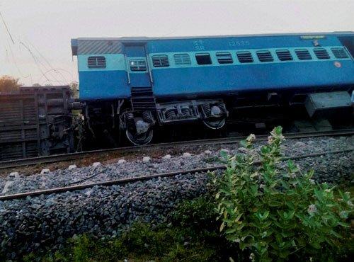 Assam-bound train derails due to landslip