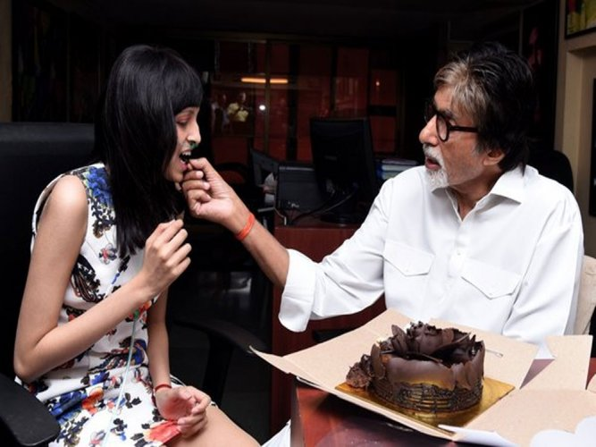 Amitabh Bachchan fulfills cancer patient's wish