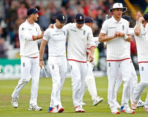 England pummel Lanka