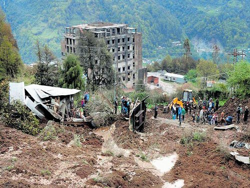 Ten killed in landslide