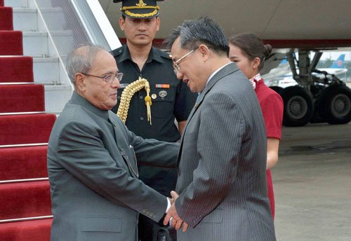 Key principle of India's ties with China is reducing divergence: Mukherjee