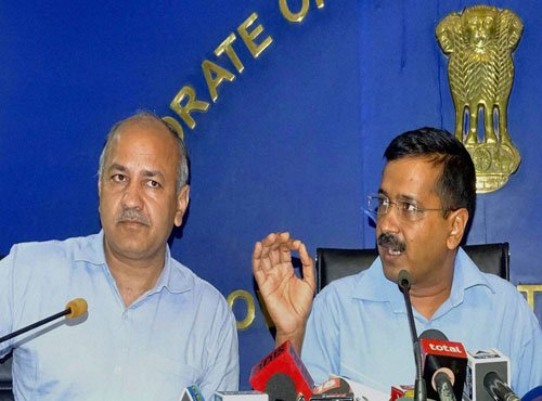 Kejri hits out at discoms, threatens to cancel their licences