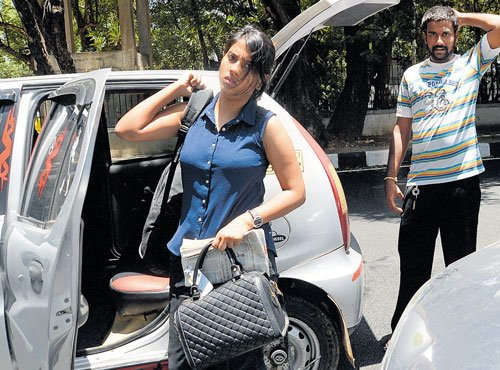 Cab owners plan protest against government over penalty drive