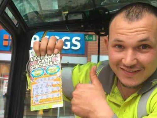 Road worker wins 1 million pound, returns to work next day