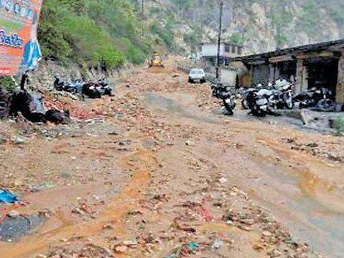 150 from Karnataka stranded in U'khand
