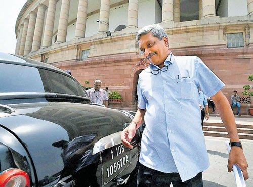 Some of judiciary's directives 'senseless': Parrikar