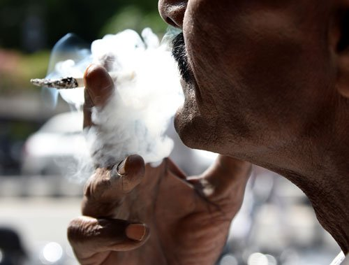 Smoking ban enforcement takes back seat in Bengaluru