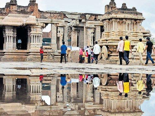 Heavy rain lashes parts of Karnataka
