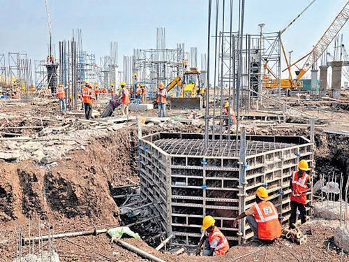 AP employees divided over shifting to Amaravati by June 27
