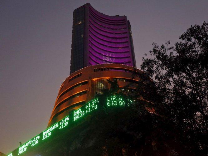 Sensex trips 66 pts ahead of RBI meet, mixed global cues