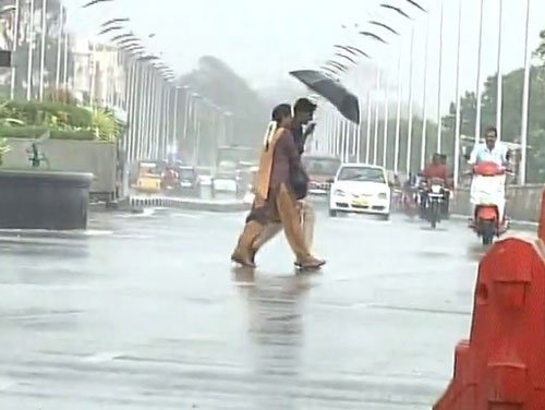 Heavy rain affects normal life in TN