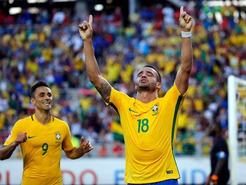 Coutinho hat-trick studs Brazil's big victory