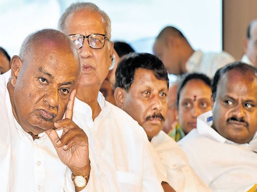 JD(S) suspends 8 rebel MLAs for cross-voting in RS polls