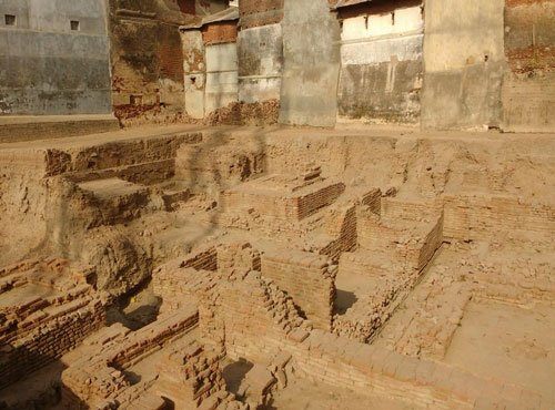 Likely remains of Buddhist monastery found in Guj's Vadnagar