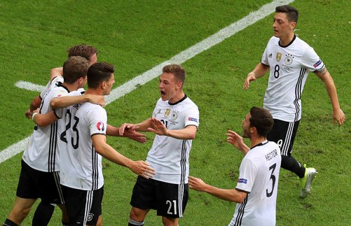 Gomez gets Germany going